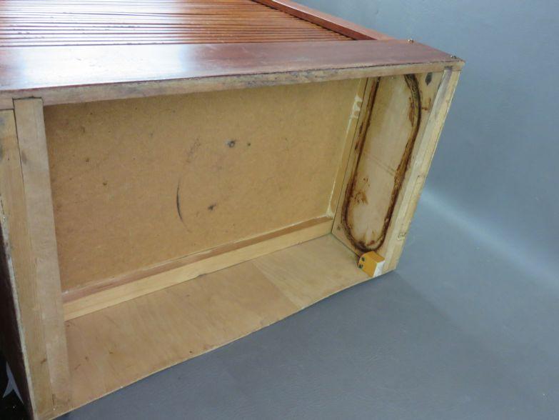 bauhaus na rolladen schrank holz art deco. Black Bedroom Furniture Sets. Home Design Ideas