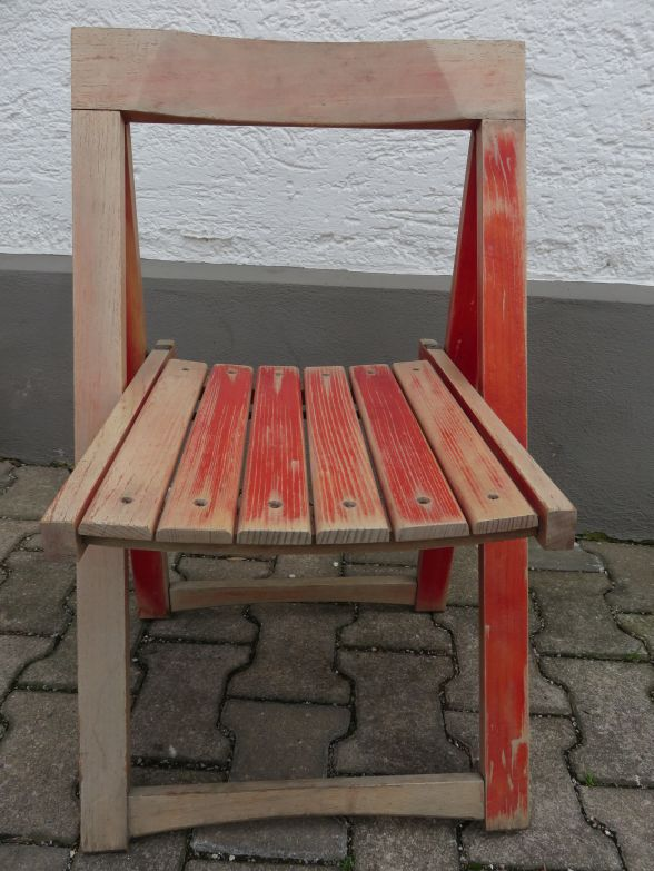 vintage design holzklappstuhl in rot 80er jahre. Black Bedroom Furniture Sets. Home Design Ideas